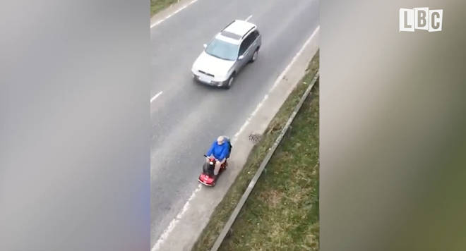 Pensioner filmed on dual carriageway