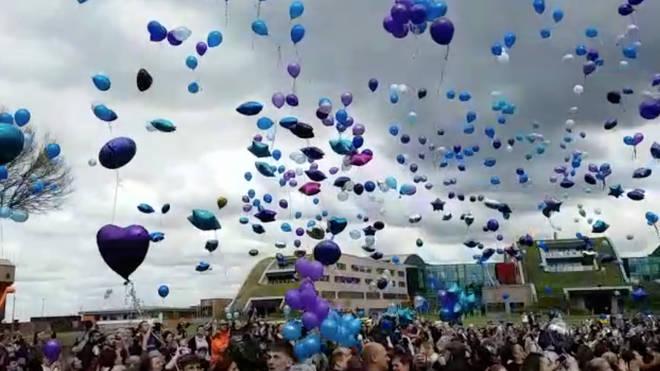 Balloons released to honour Alfie Evans