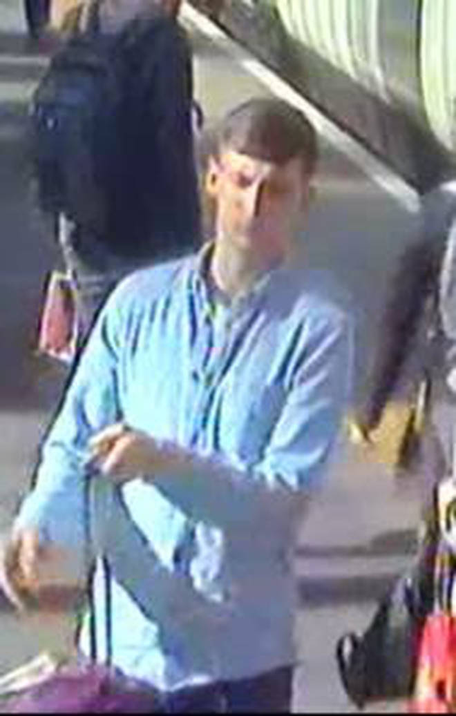 Bag theft by man who got on and immediately off train at Kings Cross on 14 June