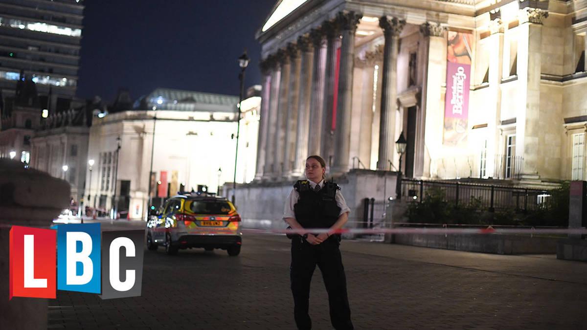 Trafalgar Square Stabbing: Police Hunt Suspect After Knife Attack