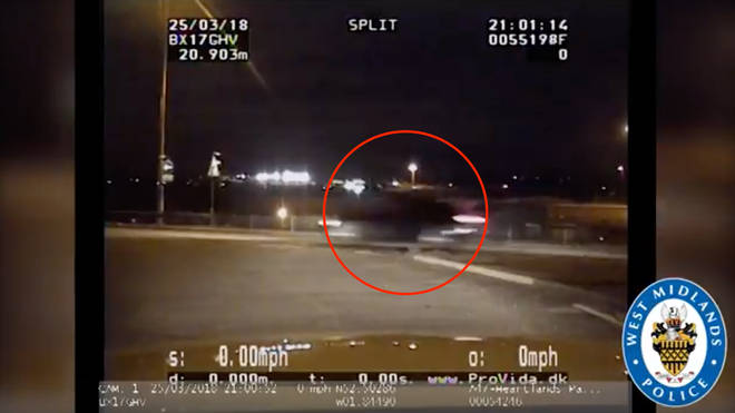 The moment police catch 90mph street race in Birmingham.