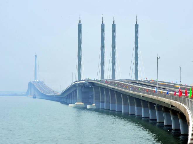 The longest bridge in the world, the Jiaozhou Bay Bridge