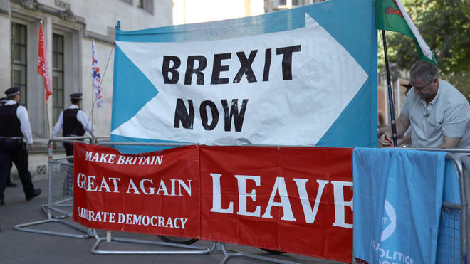Pro-Brexit protesters outside the Supreme Court