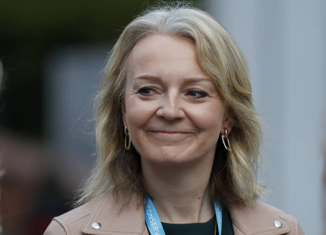 "Liz Truss: The UK is a less protectionist country and we don't have to get 27 other countries to agree"" if we're no longer in the EU."