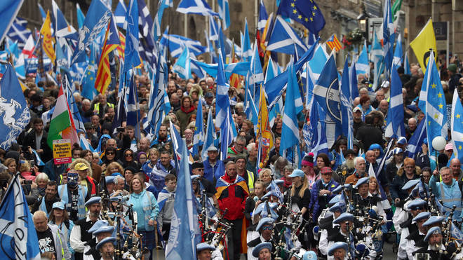 'More Than 200,000' Scottish Independence Supporters March Through Edinburgh