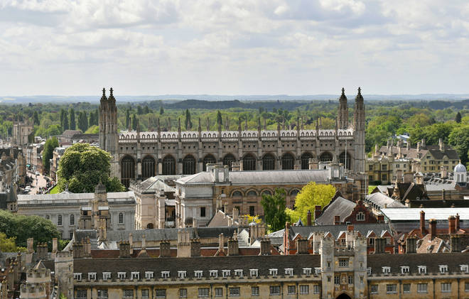 More black students are being admitted to Cambridge University, figures from the prestigious institution show.