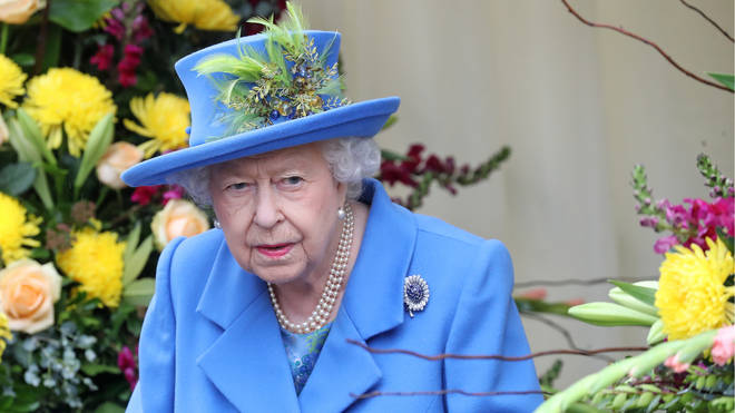 The Queen wearing blue suit as she prepares for speech