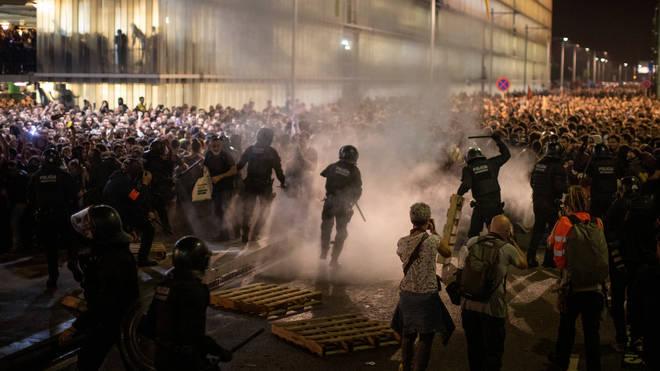 Protesters and riot police clashed at Josep Tarradellas Barcelona-El Prat Airport