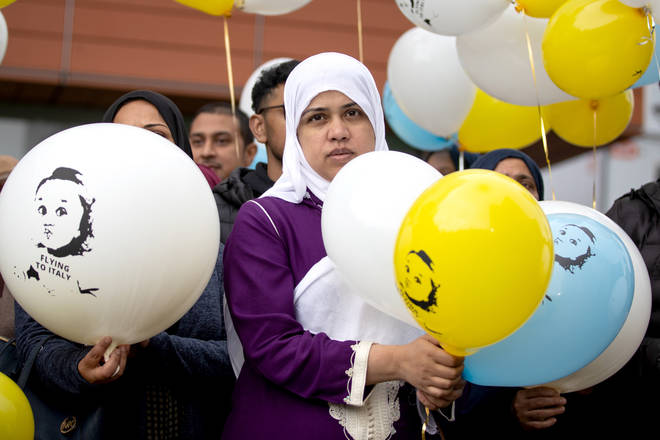 Supporters of Tafida joined her mother in releasing balloons at the Royal London