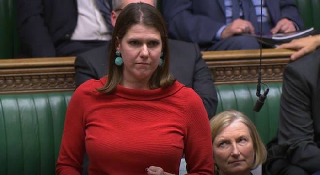 Lib Dem leader Jo Swinson says she is suspicious of both Boris Johnson and the Labour opposition