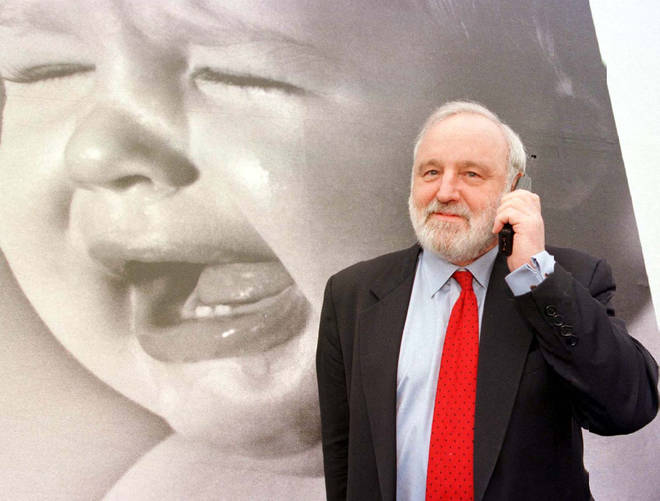 Labour Health Secretary Frank Dobson has died aged 79, his family has announced
